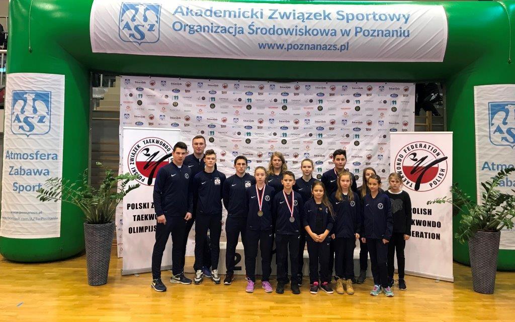 zdjęcie grupowe uczestników Puchar Polski w Taekwondo Olimpijskim