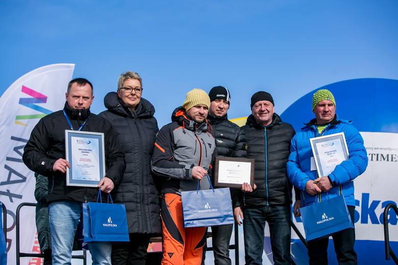 Zwycięzcy kategorii małe stacje narciarskie z dyplomami