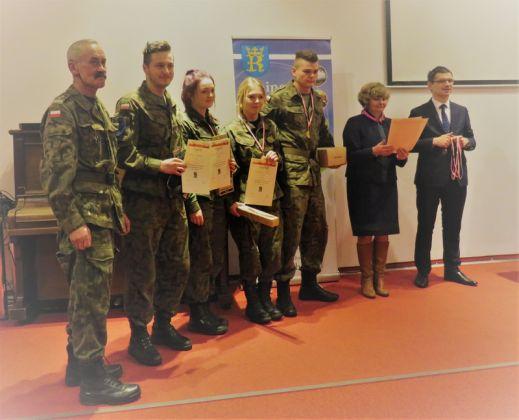 ZwycięzcyTurnieju Strzelectwa Sportowego o Puchar Wójta Gminy Tymbark z okazji Narodowego Dnia Pamięci Żołnierzy Wyklętych.