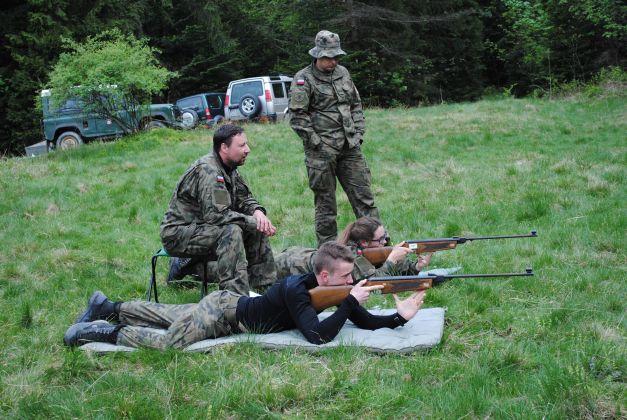 Klasa wojskowa podczas obozu szkoleniowego na górze Mogielica