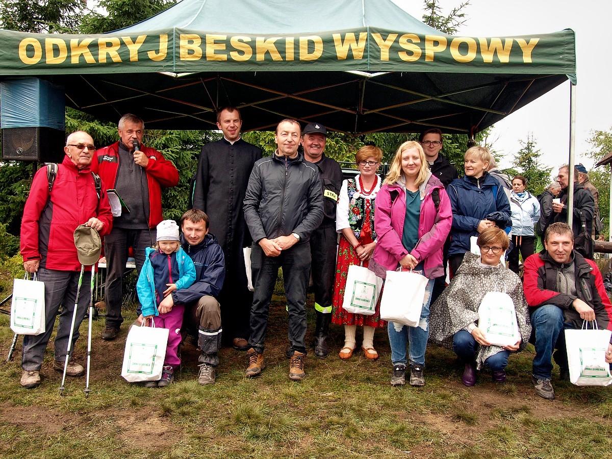 Uczestnicy akcji Odkryj Beskid Wyspowy - Jesień