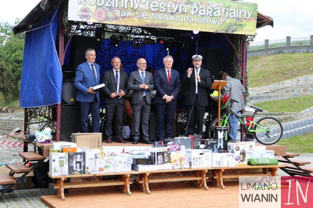 Festyn Pariafialny w Jurkowie scena
