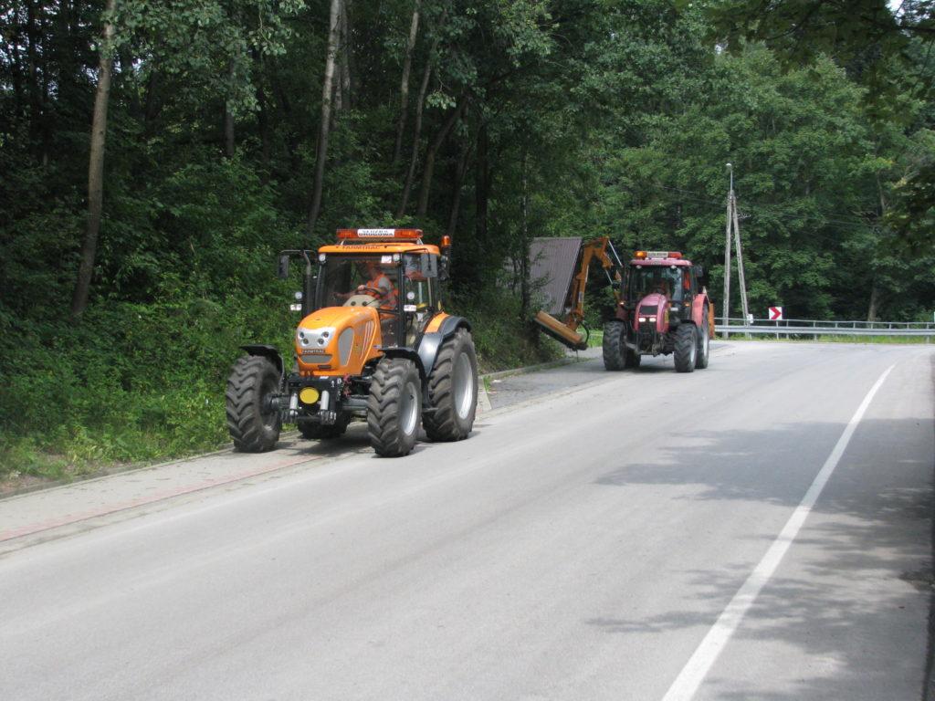 prace porządkowe na drodze powiatowej Stara Wies