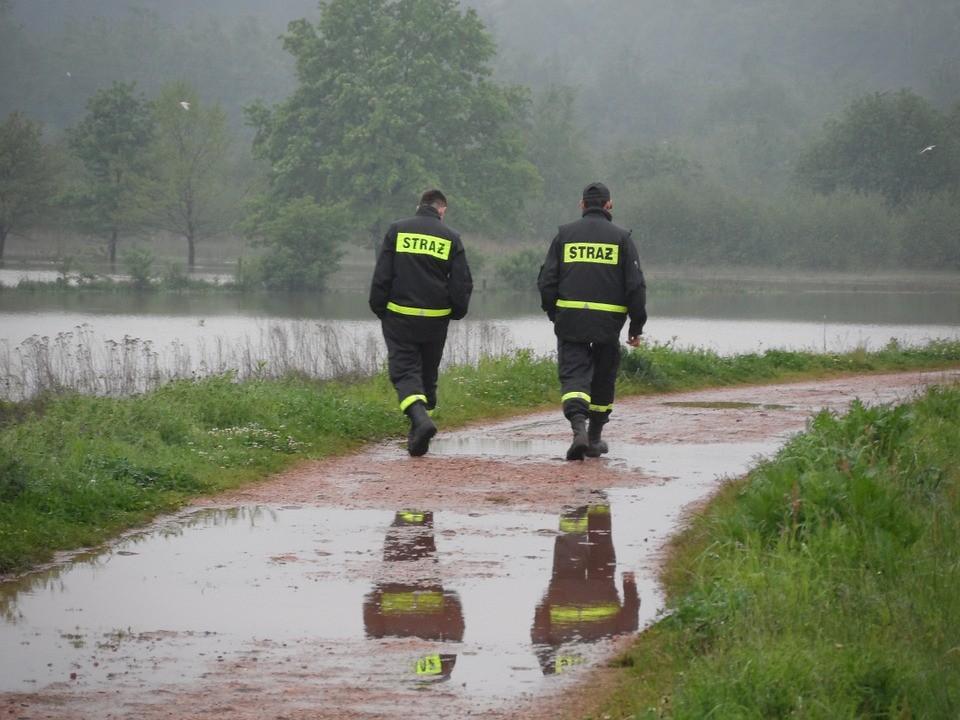 Strażacy - usuwanie klęsk żywiołowych