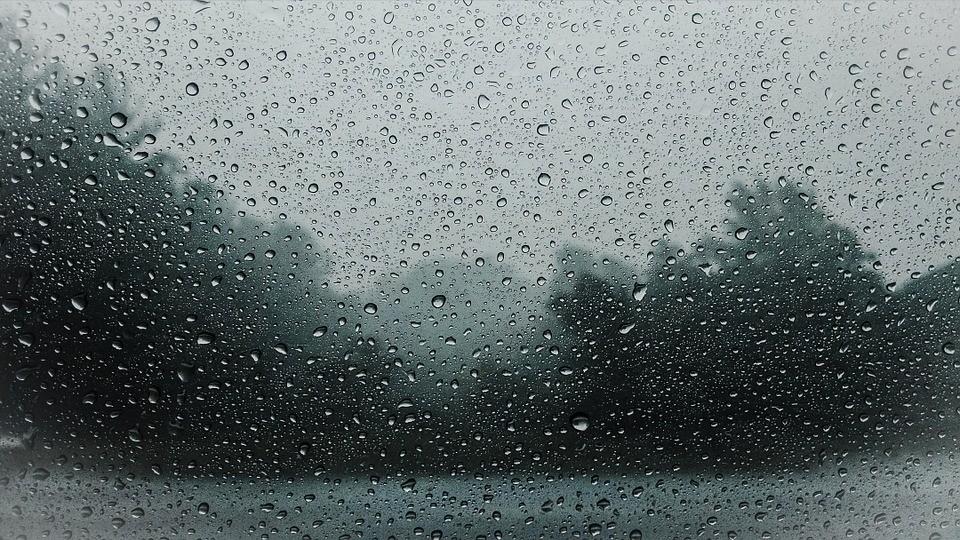 krople deszczu