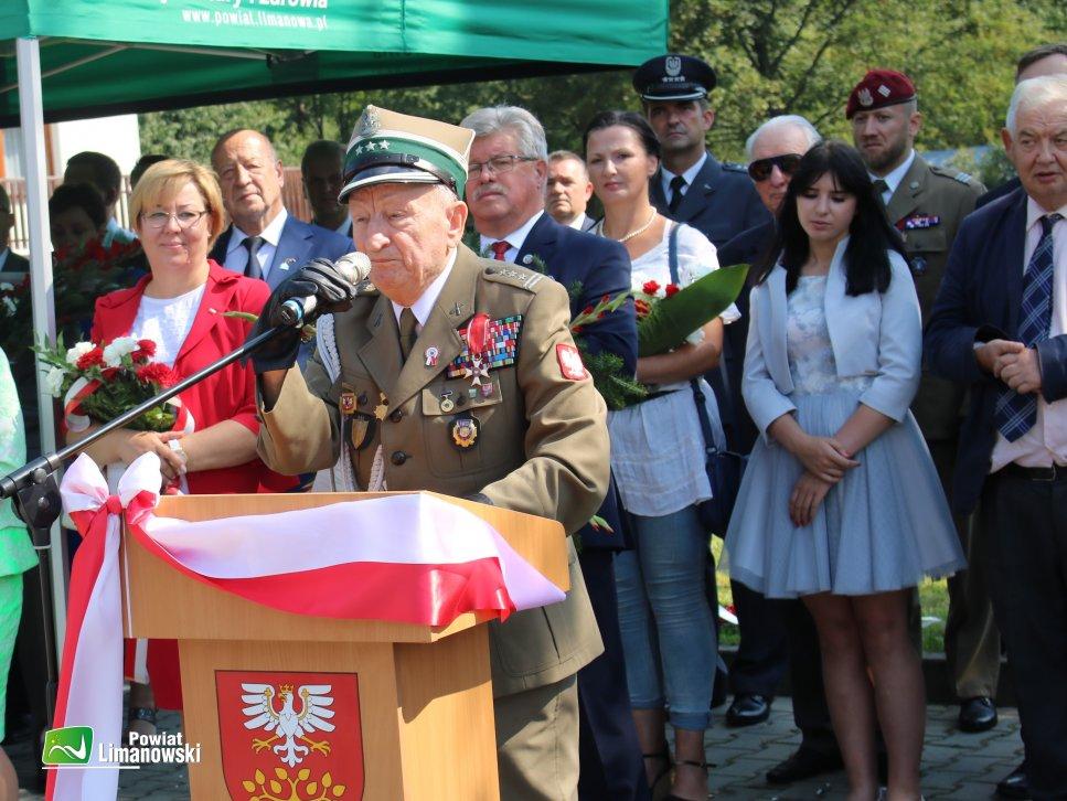 Pułkownik podczas przemówienia