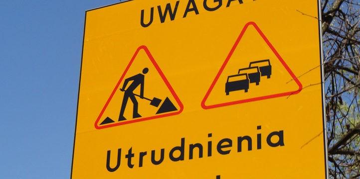 Utrudnienia w ruchu drogowym - znak drogowy