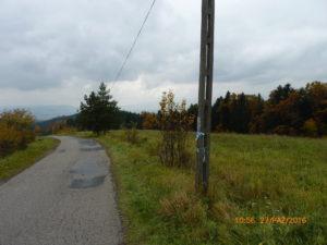 Zdjęcia drogi na odcinku komunikacyjnym Brzezna – Brzezna Litacz – Wysokie przed budową