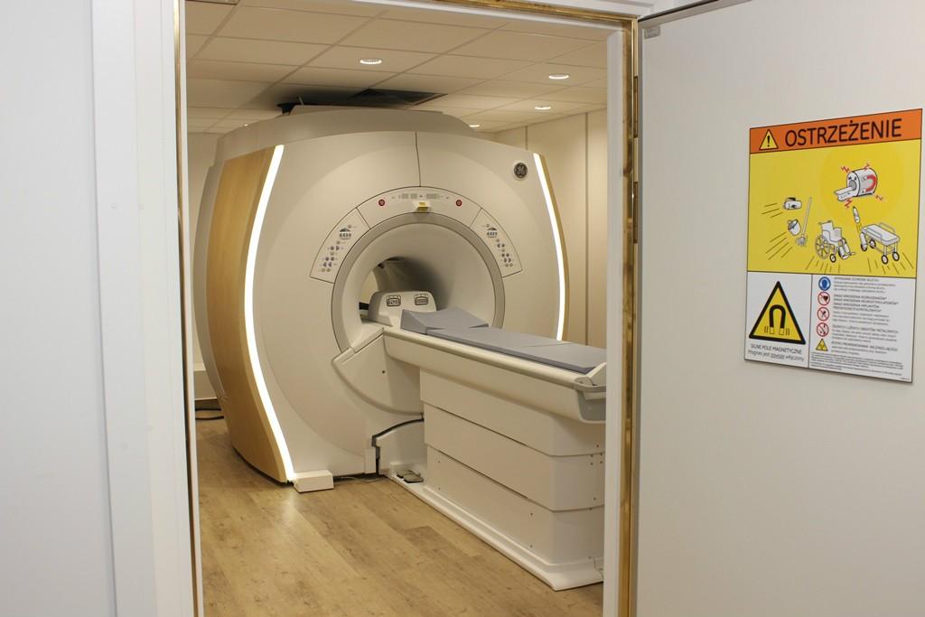 Na zdjeciu pracownia rezonansu magnetycznego w Limanowej