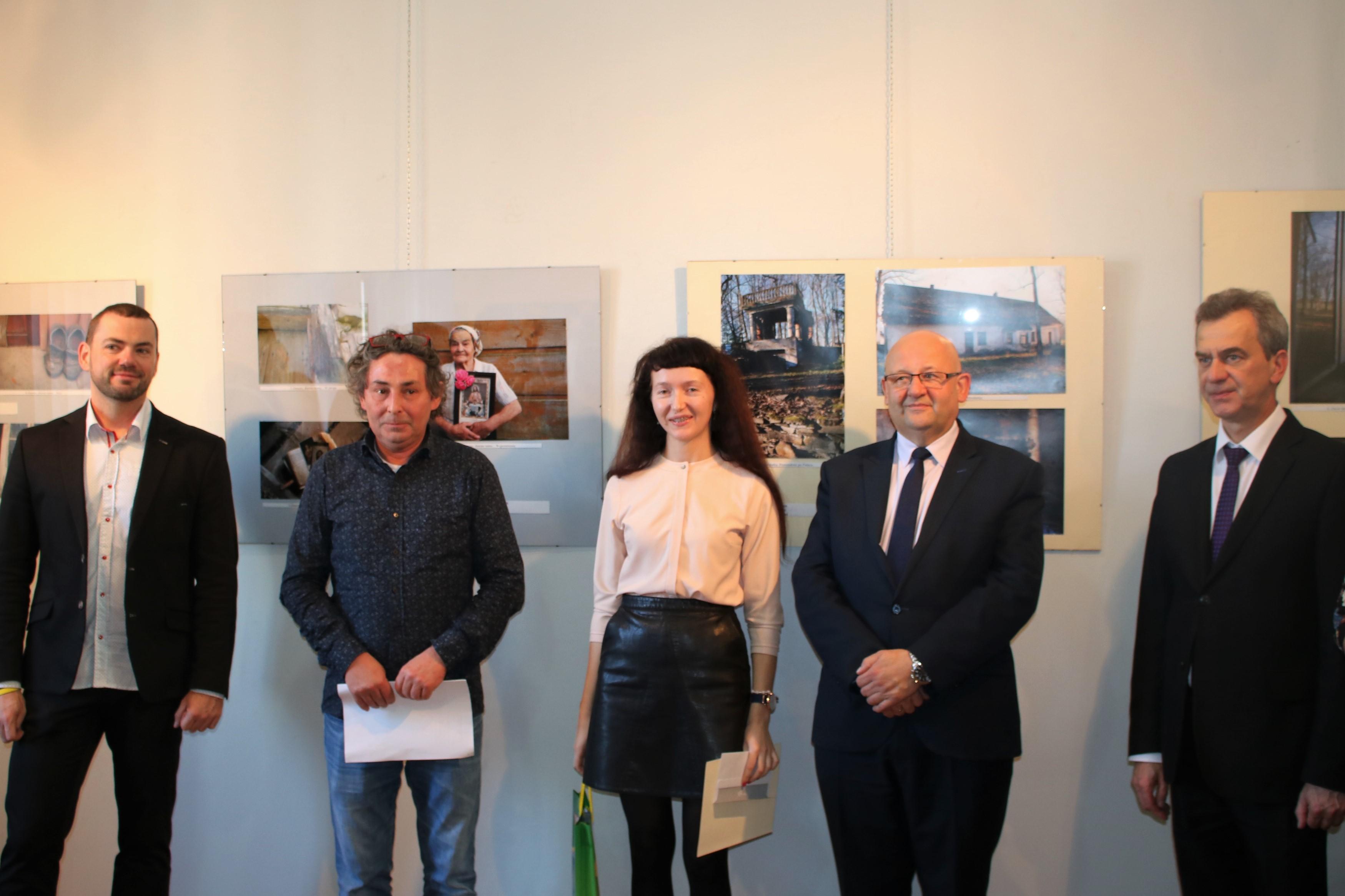 Rozdanie nagród w konkursie: na zdjęciu Krystyna Trzupek - I miejsce
