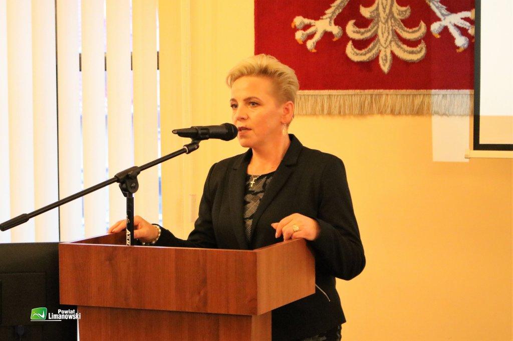 Na stanowisko Wicestarosty – Mieczysław Uryga zaproponował dotychczasowego etatowego Członka Zarządu Agatę Zięba, która również zdecydowaną większością głosów została wybrana Wicestarostą Limanowskim.