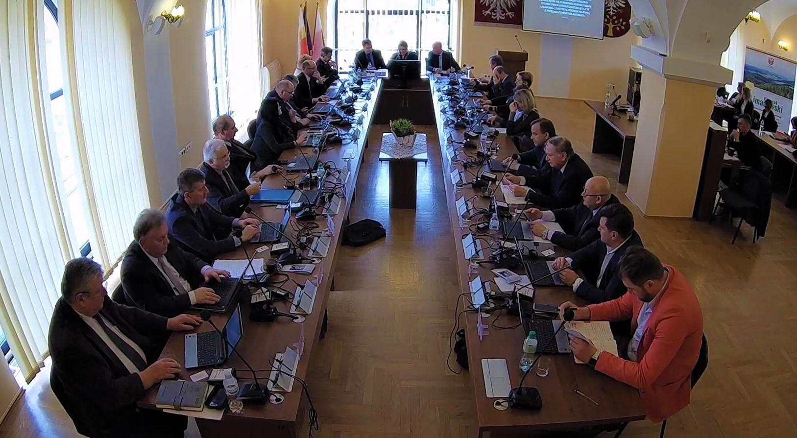 Sesja Rady Powiatu Radni