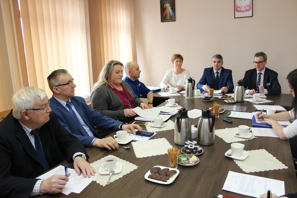 spotkanie Rady Społecznej Szpitala Powiatowego w Limanowej. Obradom przewodniczył Starosta Limanowski Mieczysław Uryga.