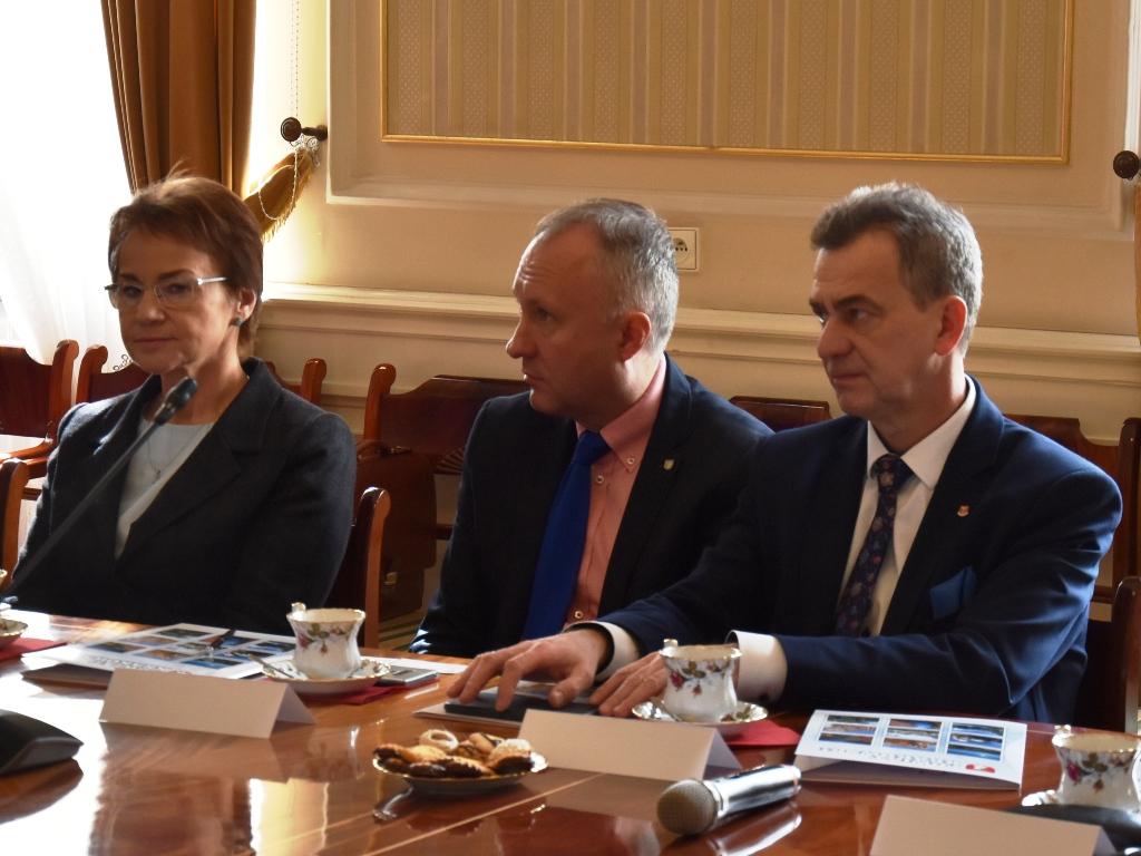 konwent powiatów na zdjeciu starosta limanowski
