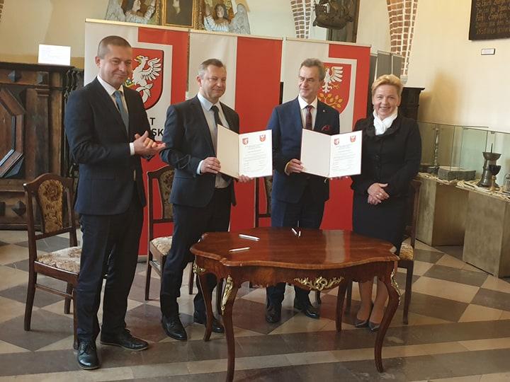 podpisanie porozumienia z powiatem sławieńskim