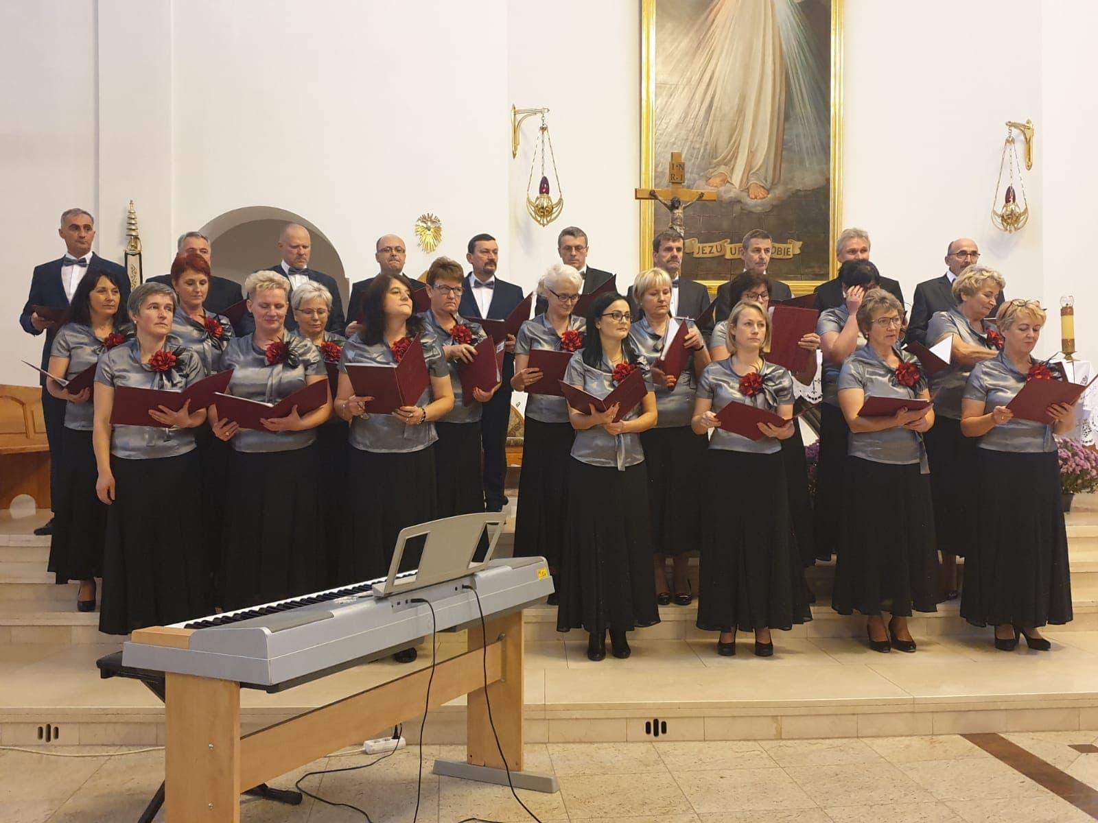 XIII Zagórzańskie Spotkanie Chórów w Mszanie Dolnej - podczas występu