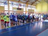 Piowiatowe Igrzyska Młodzieży Szkolnej w Halowej Piłce Nożnej Chłopców ; listopad 2019 - zawodnicy podczas odprawy przedmeczowej