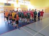 Piowiatowe Igrzyska Dzieci w Halowej Piłce Nożnej Chłopców ; listopad 2019 - zawodnicy podczas odprawy przedmeczowej