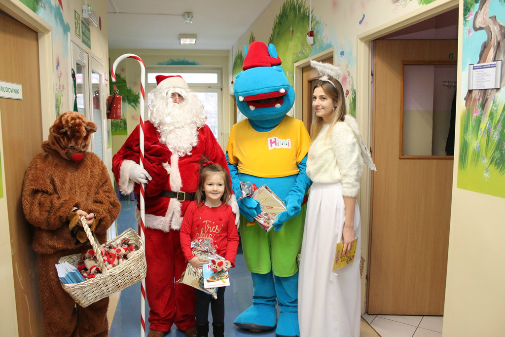 Wizyta Św. Mikołaja na oddziale Chorób Dzieci