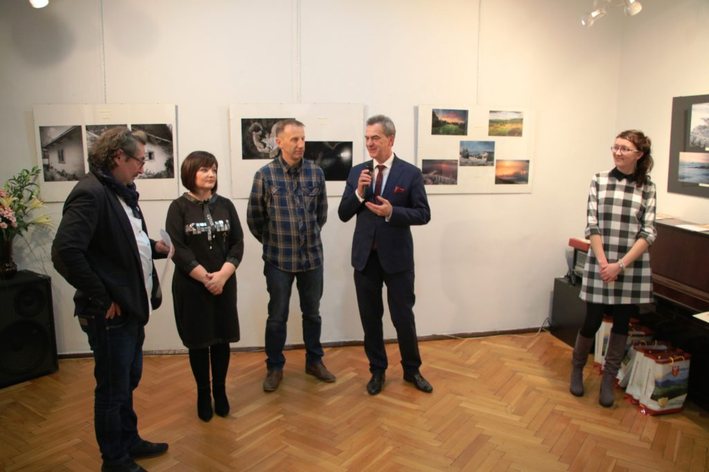 Wręczenie nagród w konkursie Z Obiektywem przez Powiat