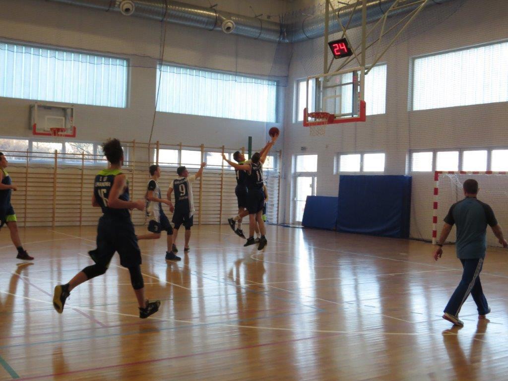Powiatowa licealiada młodziezy w Koszykówce Chłopców