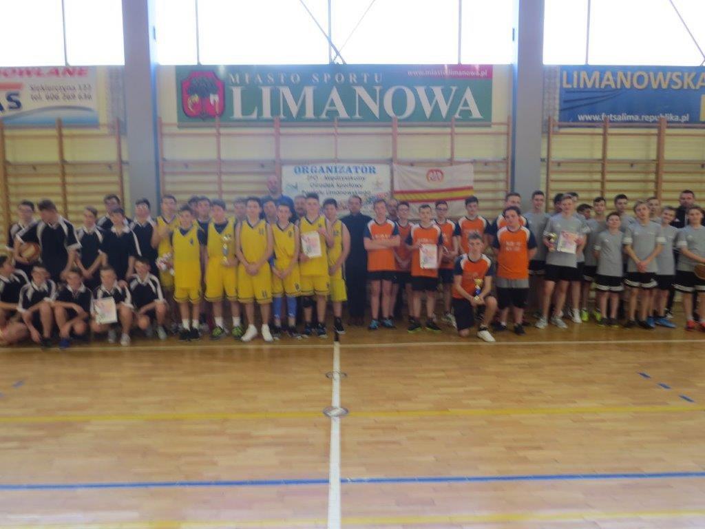 Powiatowe Igrzyska mlodziezy w koszykówce chlopców 2020