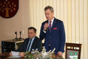 Spotkanie przedsiębiorców w Starostwie Powiatowym w Limanowej - Starosta Limanowski  - Mieczyslaw Uryga podczas przemówienia