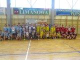 Powiatowe Igrzyska Dzieci w Koszykówce Chłopców - drużyny na wspólnym zdjęciu