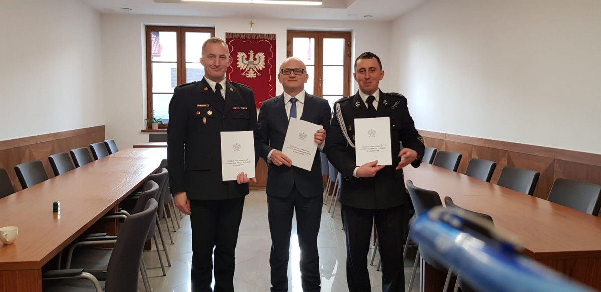 Przekazanie porozumienia w sprawie włączenia jednostki OSP Jurków do Krajowego Systemu Ratowniczo-Gaśniczego