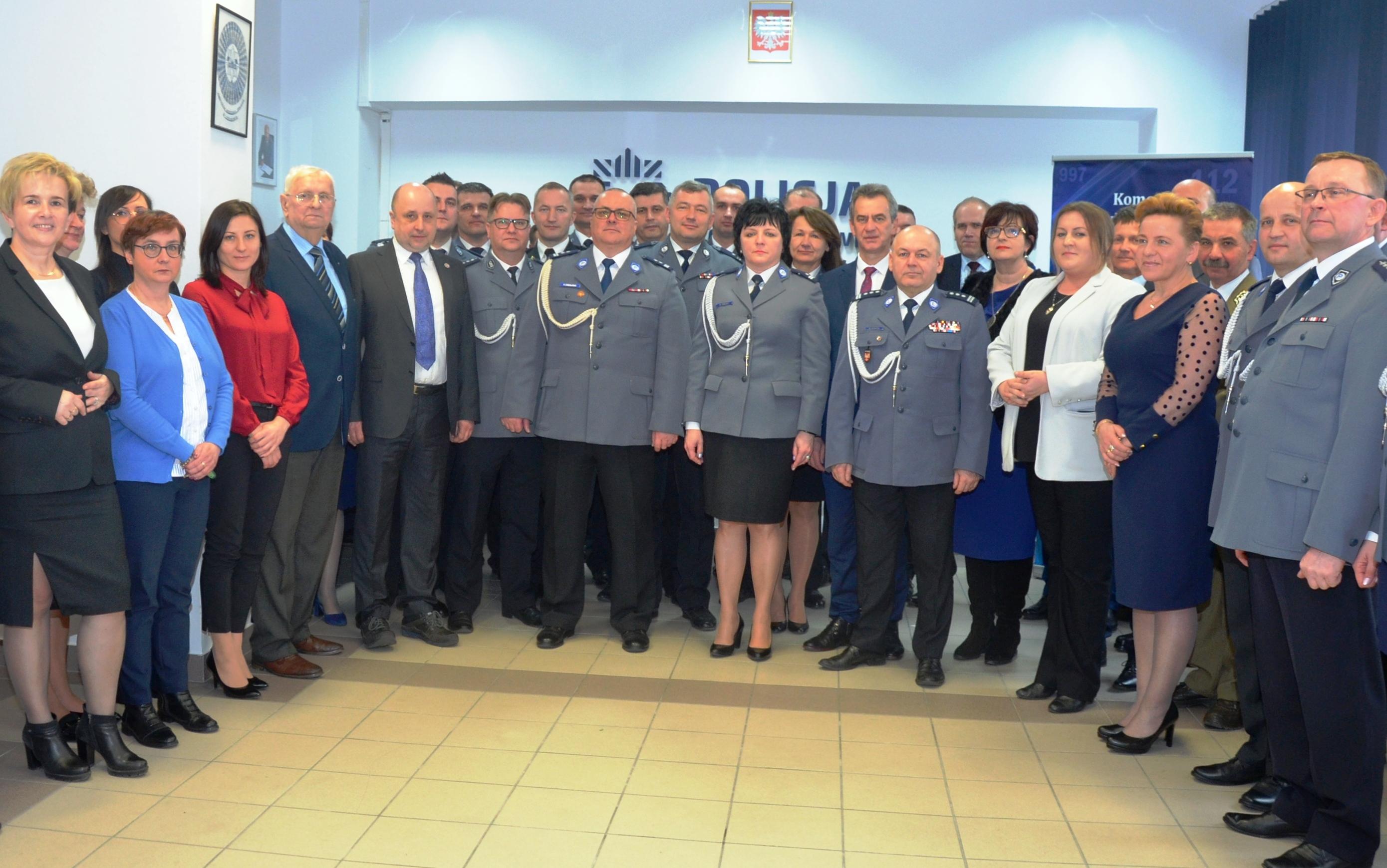 Zdanie obowiązków Komendanta Powiatowego przez podinsp. Dorotę Tokarz - relacja z uroczystości pożegnalnej