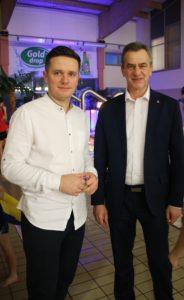 Ferie na pływalni Limanowskiej 2020- Starosta Limanowski - Mieczysław Uryga oraz Dyrektor Pływalni Limanowskiej - Dawid Jasica