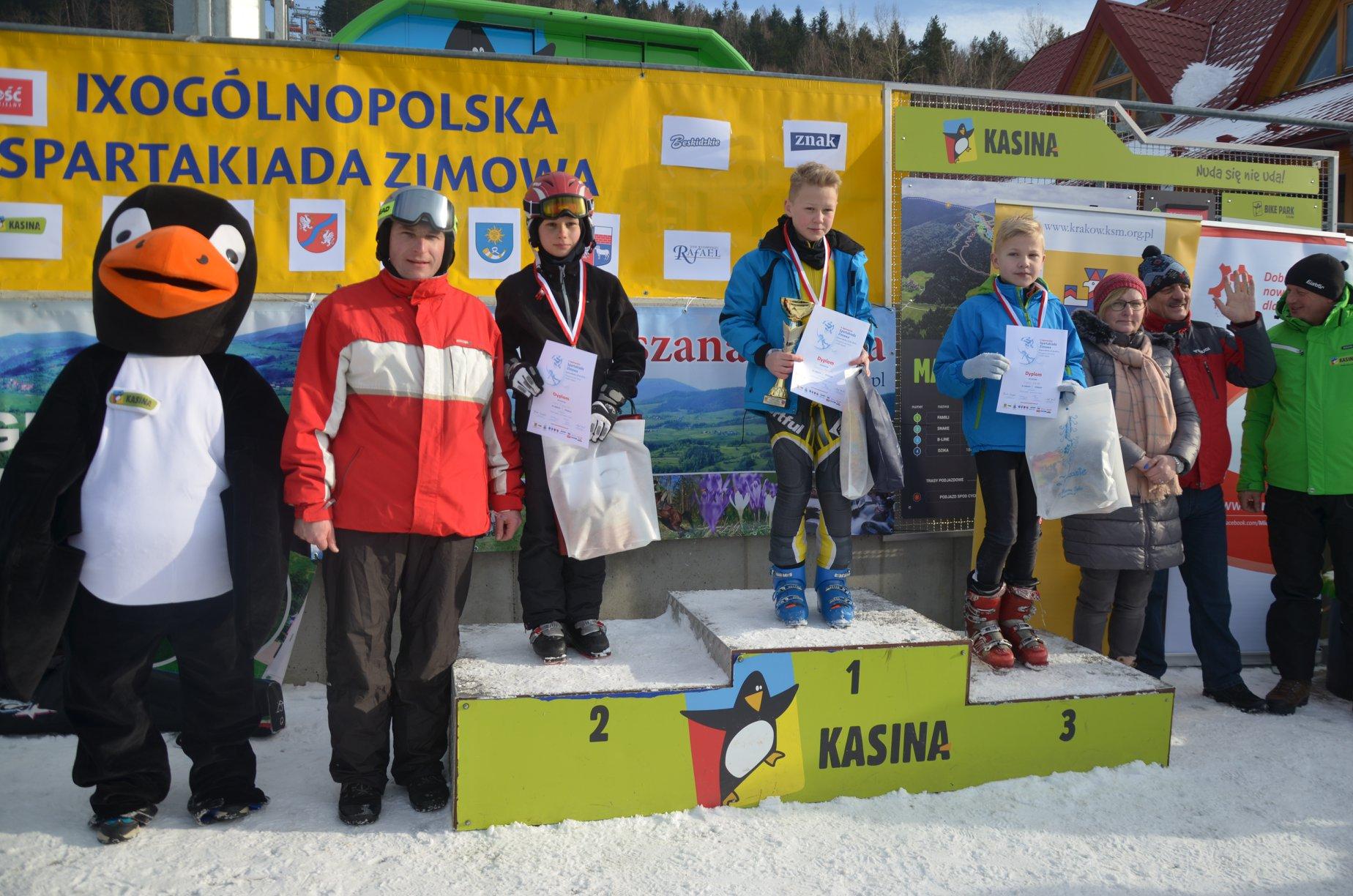 10. Ogólnopolska SparSpartakiada Zimowa w Kasinie Wielkiej - lauraci na podium zawodów
