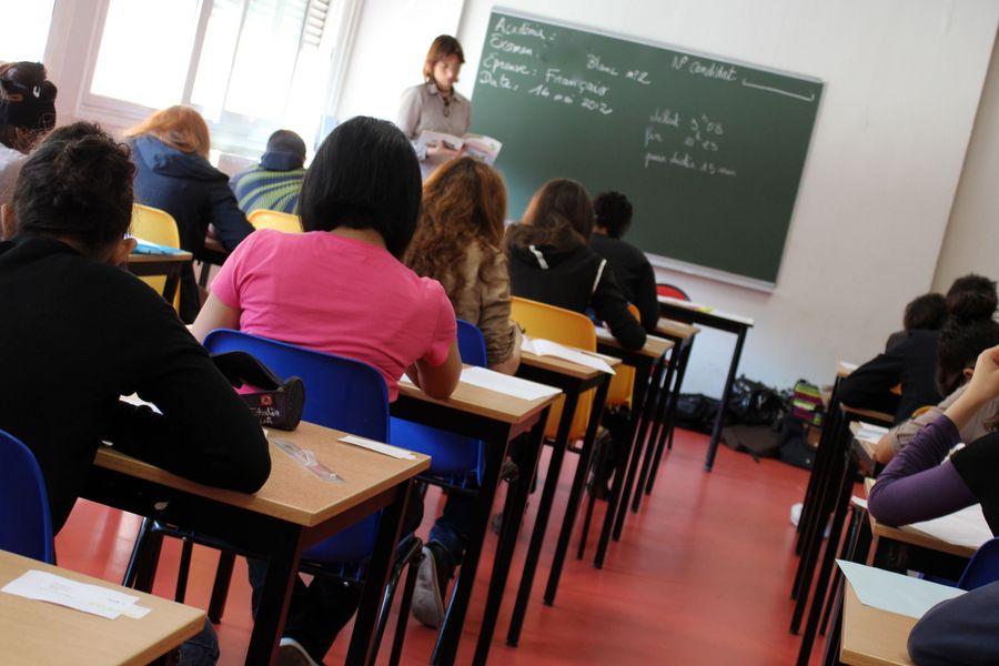 zdjęcie przedstawiające klasę podczas lekcji