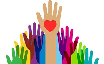 wolontariat - grafila przedstawiająca dłonie i serce