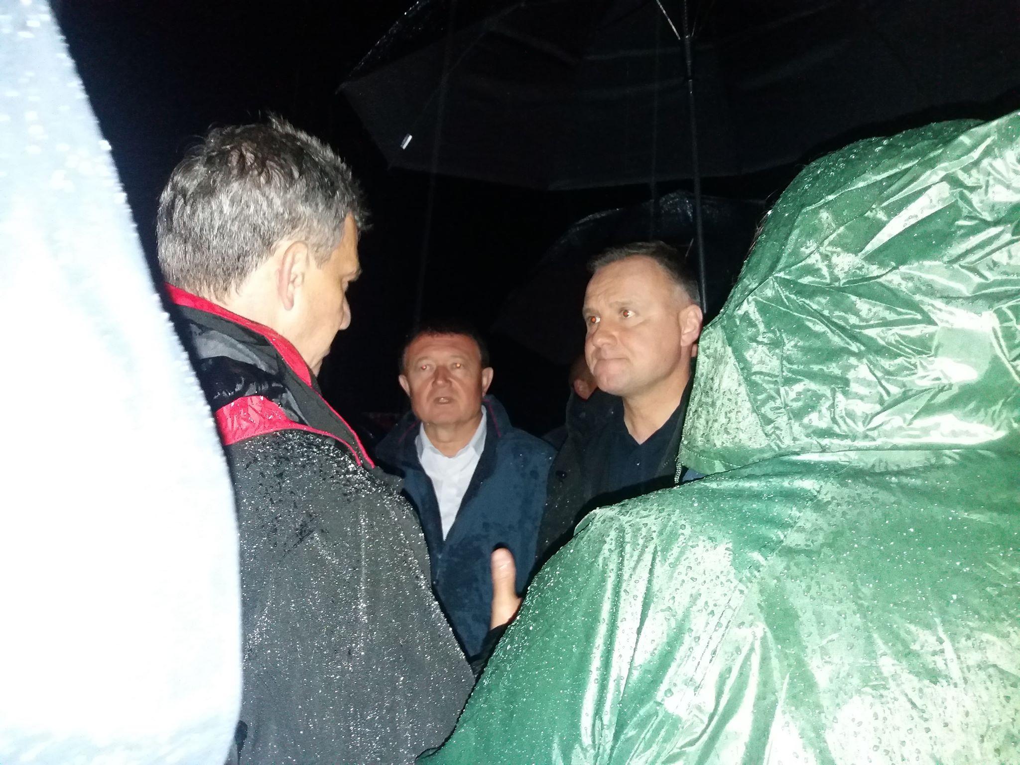 Wizyta Prezydenta RP w powiecie limanowskim na terenach dotknietych podtopieniem