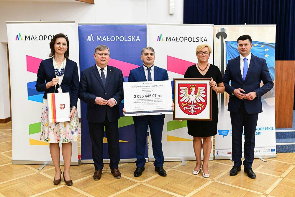 Szpital Powiatowy w Limanowej z donansowaniem w ramach tarczy atyryzysowej - dyrektor szpitala z przedstawicielami zarzadu Wojwództwa Małopolskiego