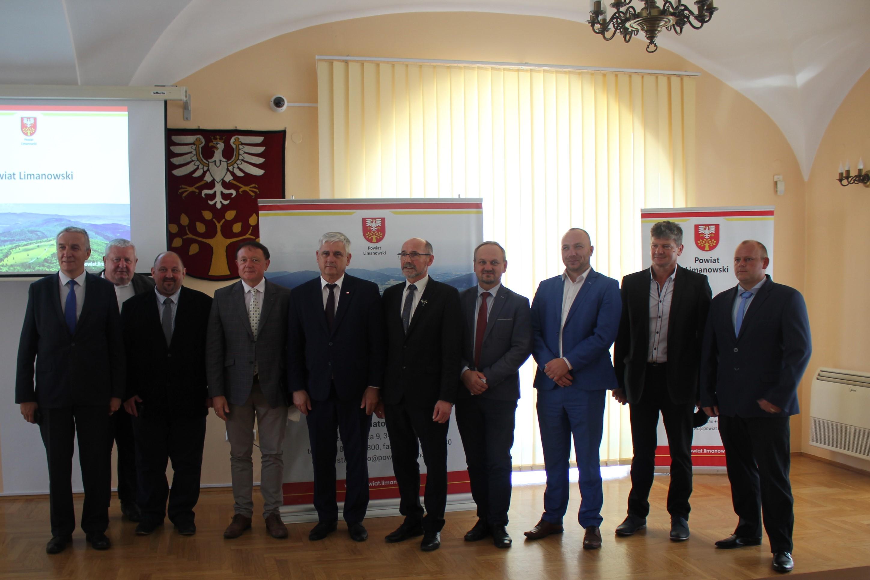 Wiceminister Rolnictwa i Rozwoju Wsi z wizytą w Powiecie Limanowskim 6