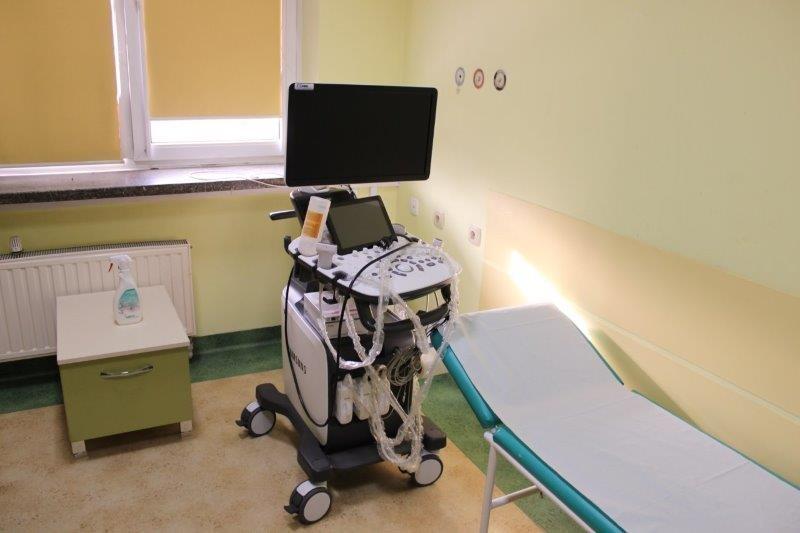 nowy sprzęt medyczny pozyskany przez Szpital Powiatowy w Limanowej w ramach Małopolskiej Tarczy Antykryzysowej