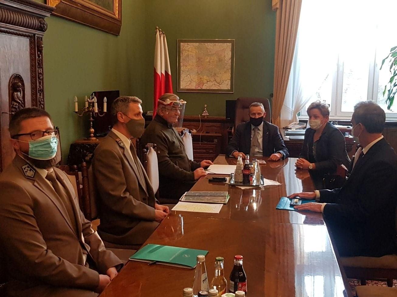 Zarząd Powiatu z wizytą u Wicewojewody Małopolskiego Józefa Leśniaka