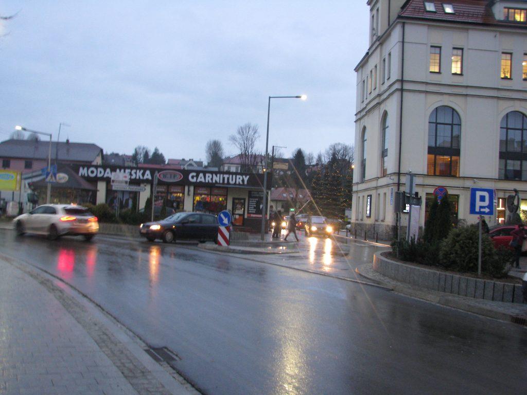 Zdjęcie remontowanego fragmentu ulicy pod Starostwem.