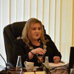 Ewa Filipiak Przewodnicząca Rady Powiatu Limanowskiego podczas XVI Sesji Rady Powiatu Limanowskiego